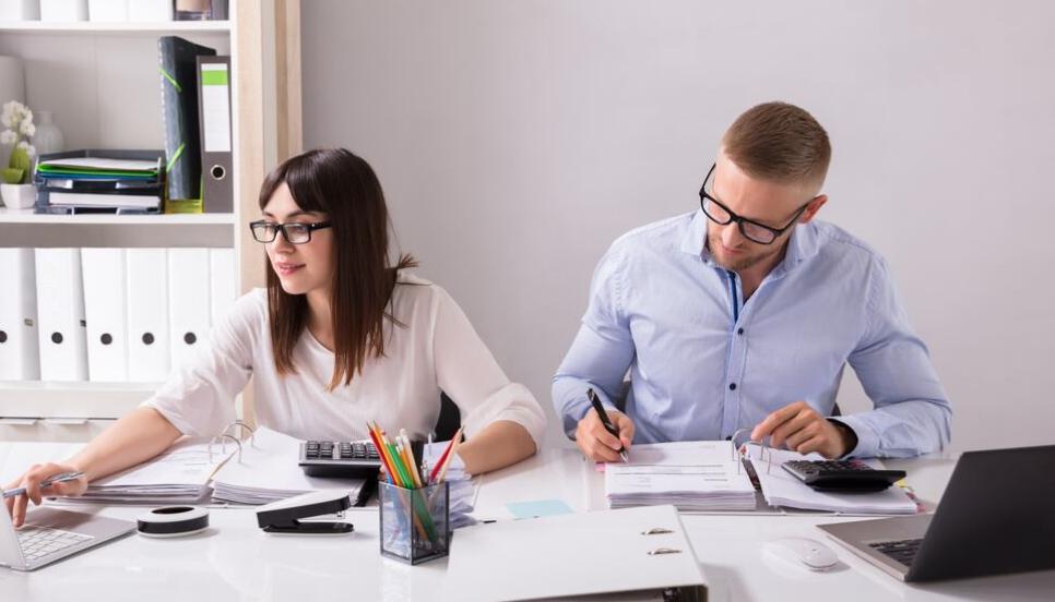 Jak zoptymalizować czas poświęcony na wystawianie faktur i prowadzenie księgowości w firmie